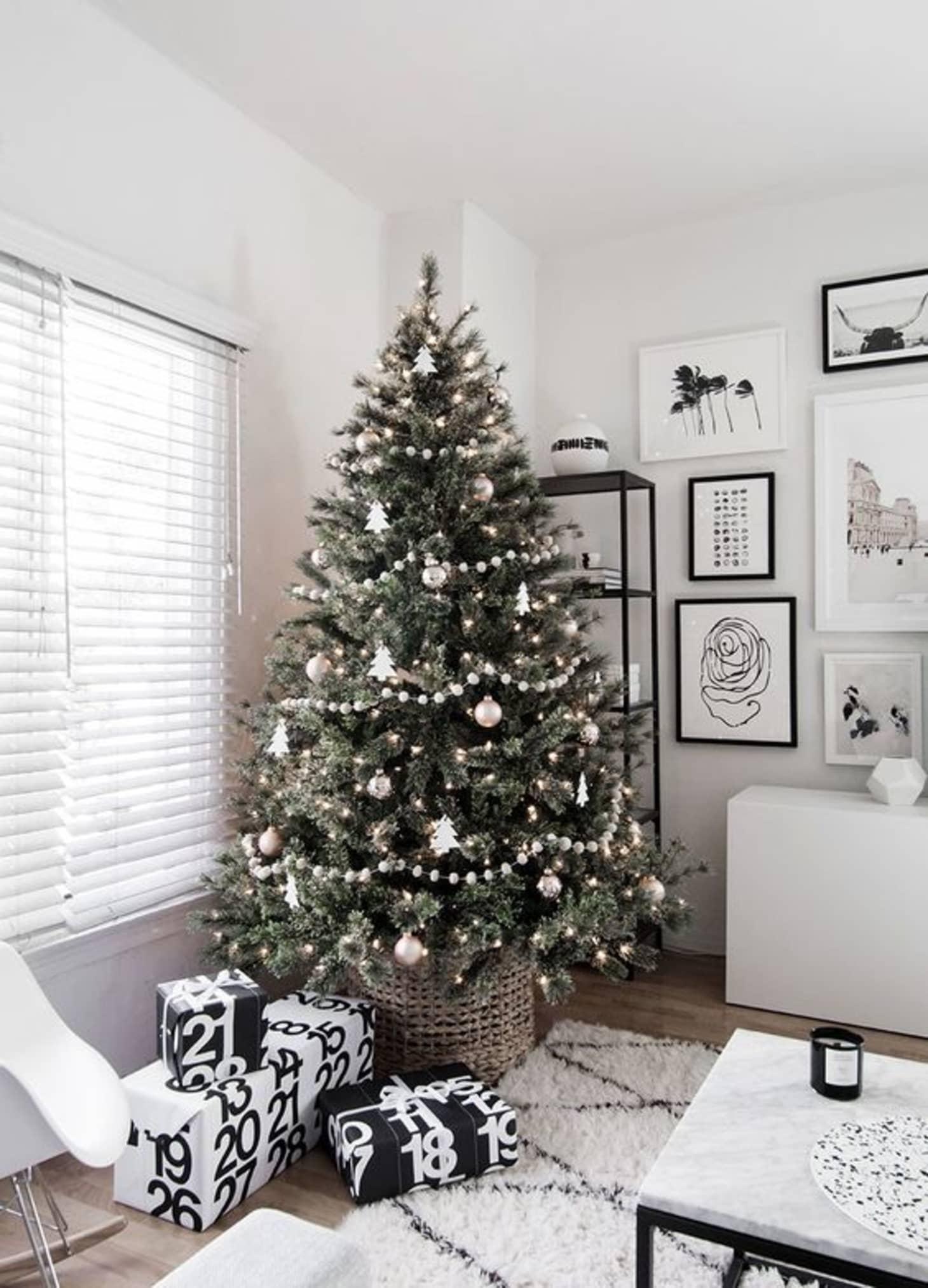 Новогодняя елка минимализм