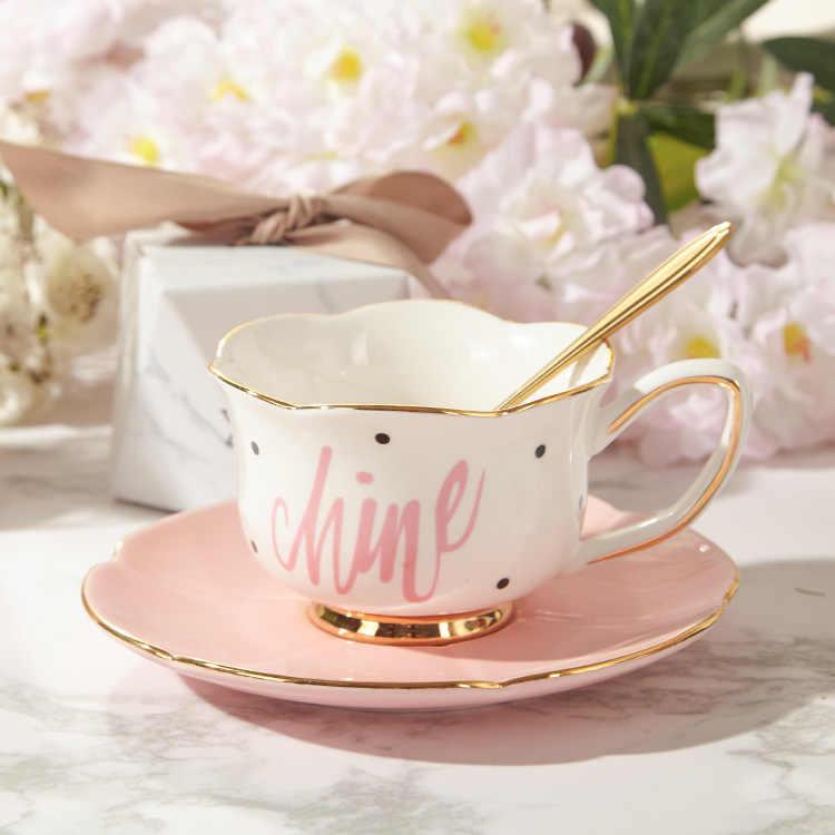 Красивые чайные чашки