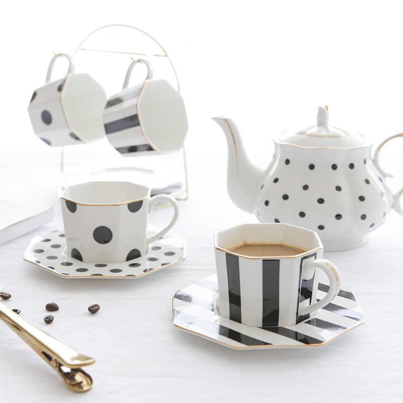 Большие чайные чашки