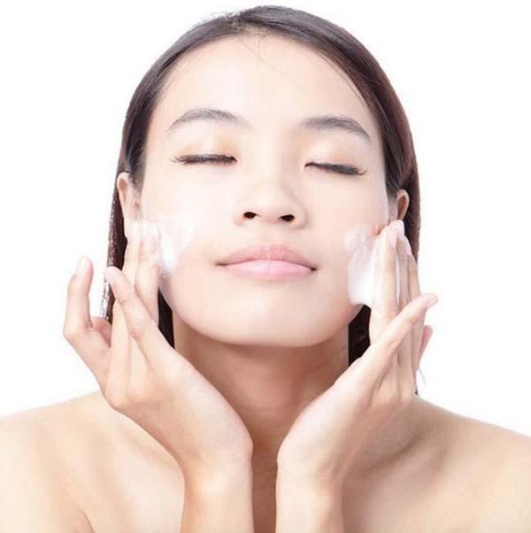 Двойное очищение кожи лица
