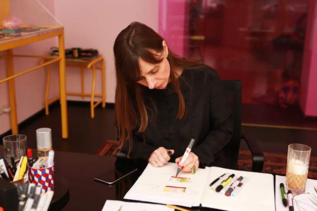 дизайнер Sabrina Dehoff за работой
