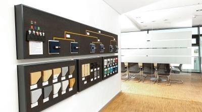 Showroom-Materialwand.jpg