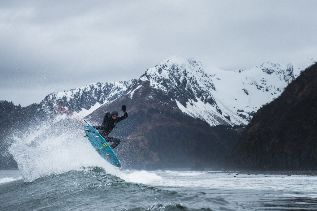Крутой серфингист