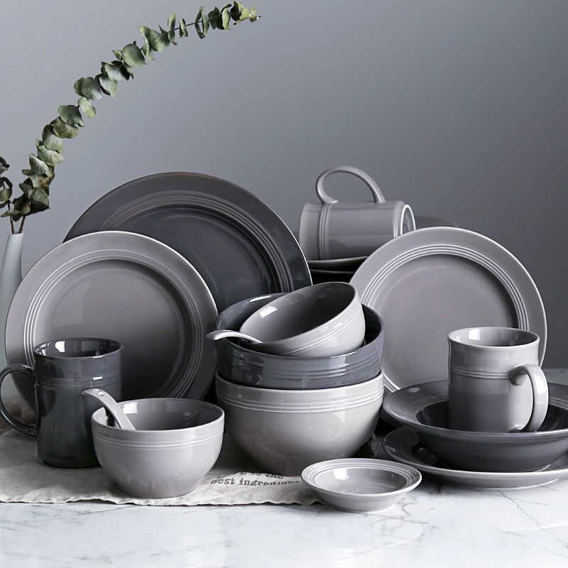 Большой набор столовой посуды