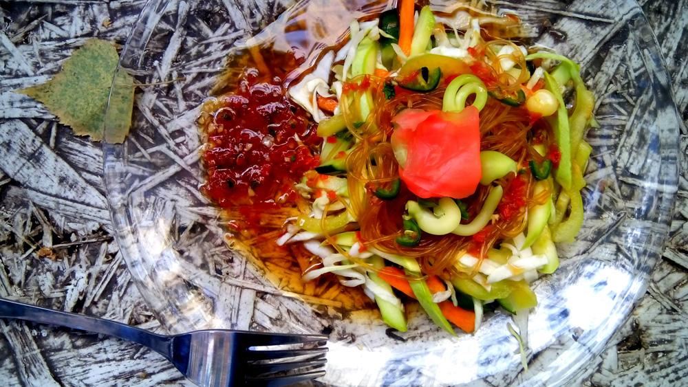 Салат с соево-имбирной заправкой. Автор фото - Марина Фролова, повар И-МНЕ Москва