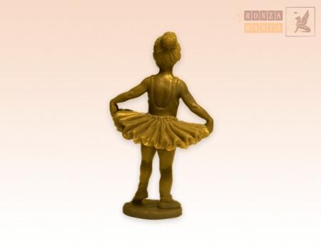 Миниатюра девочки-балерины