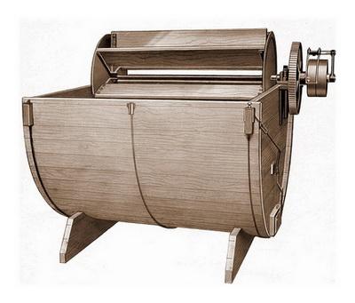 Внешний вид деревянного баркаса для выделки шкур
