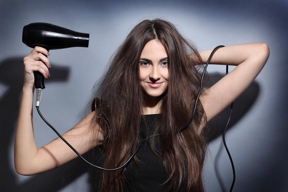Hair_dryer_Brown_haired_Smile_Hair_Hands_559631_5616x3744.jpg
