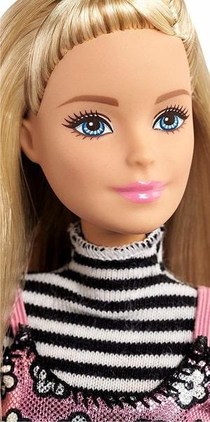 Набор Barbie - серия Путешествие с аксессуарами( крупным планом)
