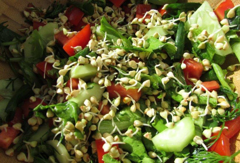 Салат с пророщенной зеленой гречкой