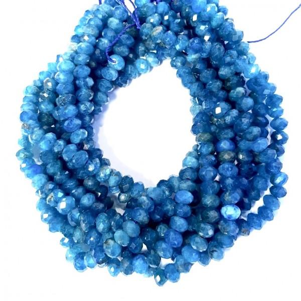 Синие бусины из апатита