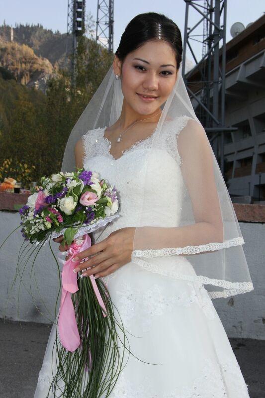 букет_невесты_Алматы____золотая_свадьба.jpeg