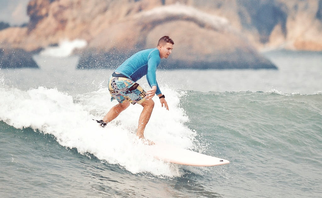 Правильная стойка в серфинге