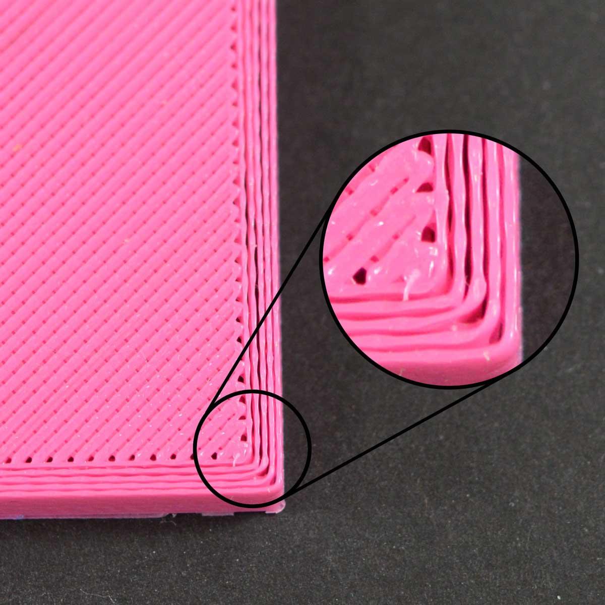 Щели в 3D распечатке. Принтер экструдирует недостаточно пластика, между периметром и внутренней частью модели имеются щели