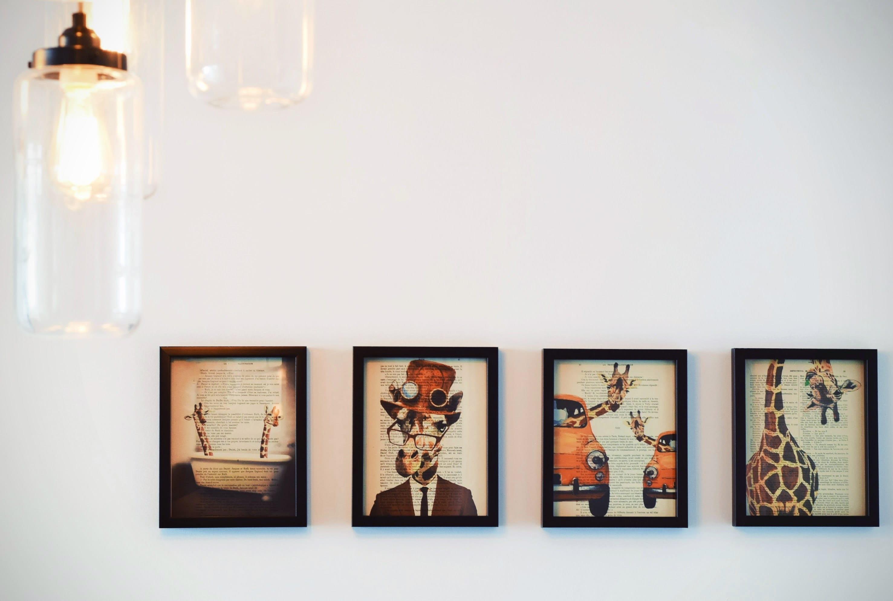 модульные картины на стене гостиной