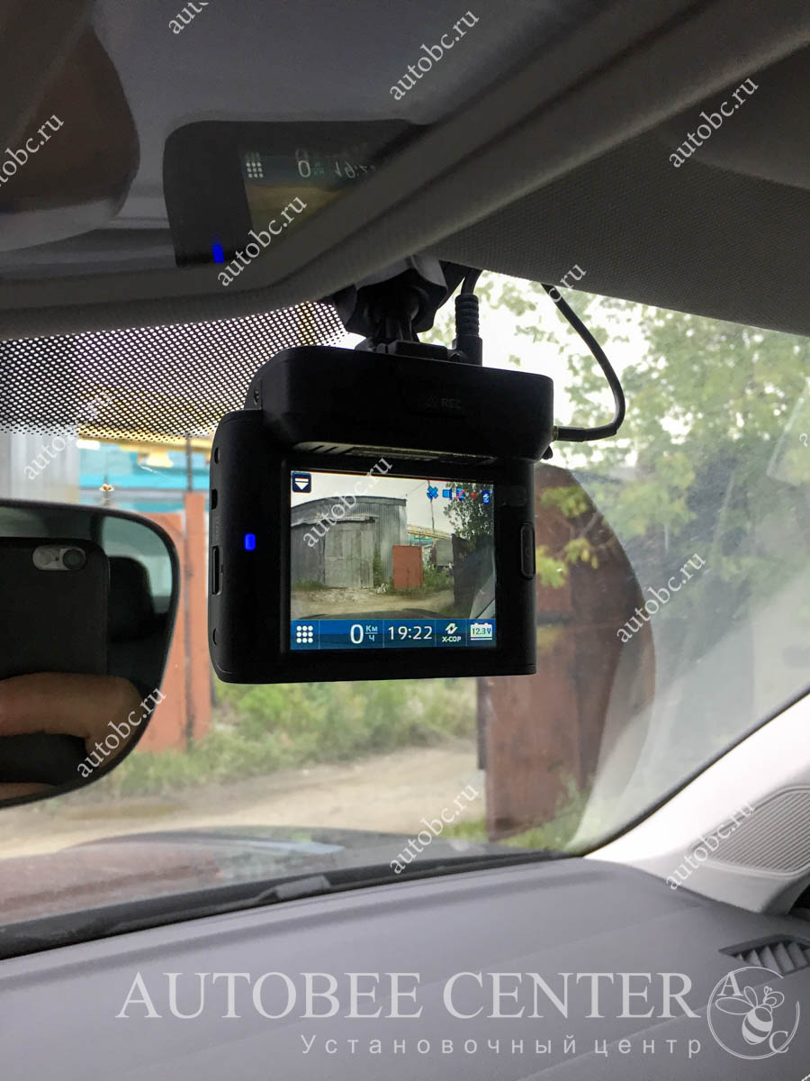 VW Touareg 2019 (Разнесенный радар детектор)