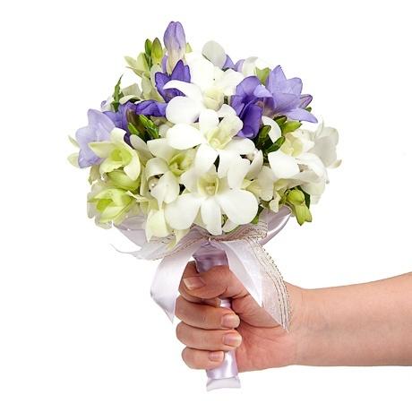 букет_невесты_в_Алматы__оформление_цветами_с_тайской_орхидеей.jpg