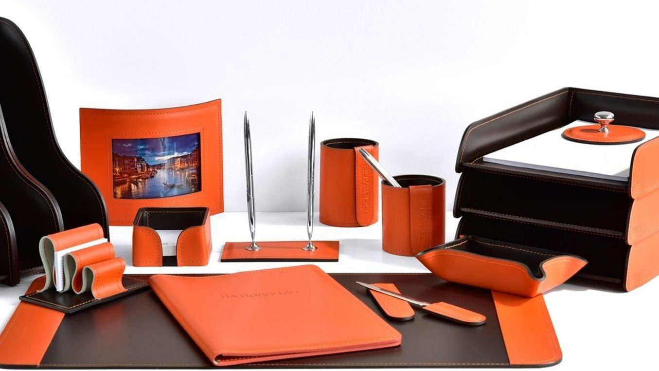 Наборы на стол руководителя Бизнес цвет кожи оранжевый с шоколадом.
