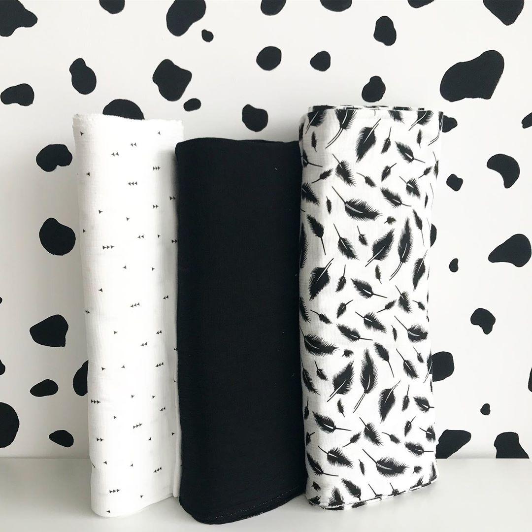 Купить муслиновую ткань для одежды черно-белую