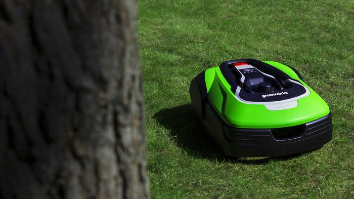 Робот-газонокосилка: новые технологии от Greenworks