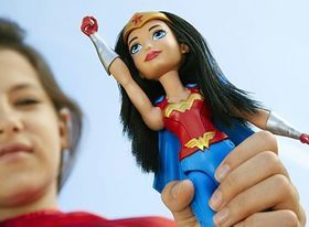Кукла Вандер Вумен из коллекции Супергероини