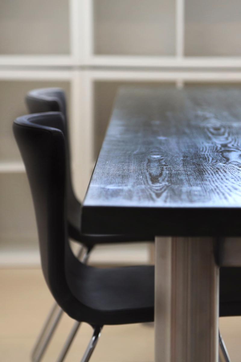 Офисная мебель из массива
