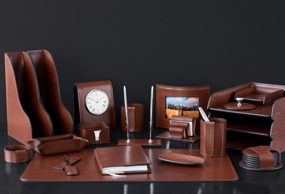 набор руководителя на письменный стол люкс с костерами