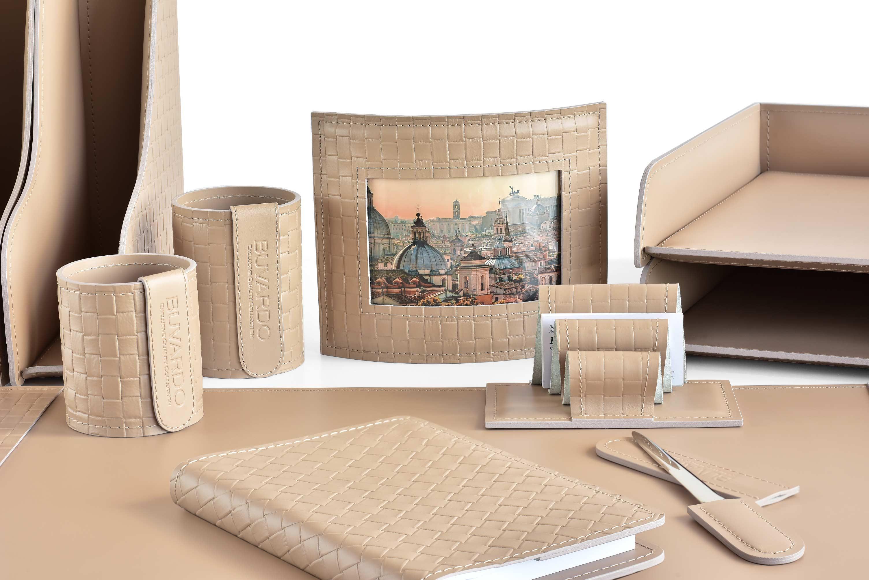 Набор на стол из 14 предметов из натуральной кожи Cuoietto с отделкой из тисненой кожи с эффектом переплетения