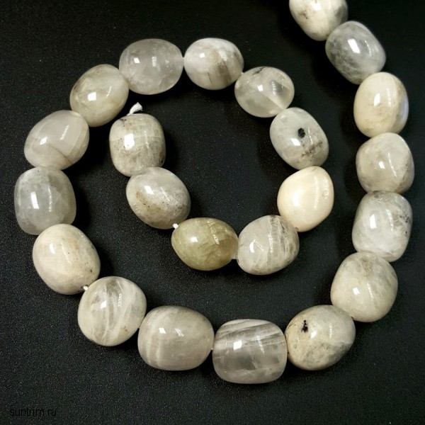 Овальные бусины из лунного камня