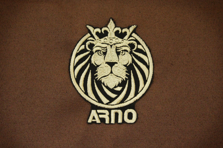 Монарх беж лого