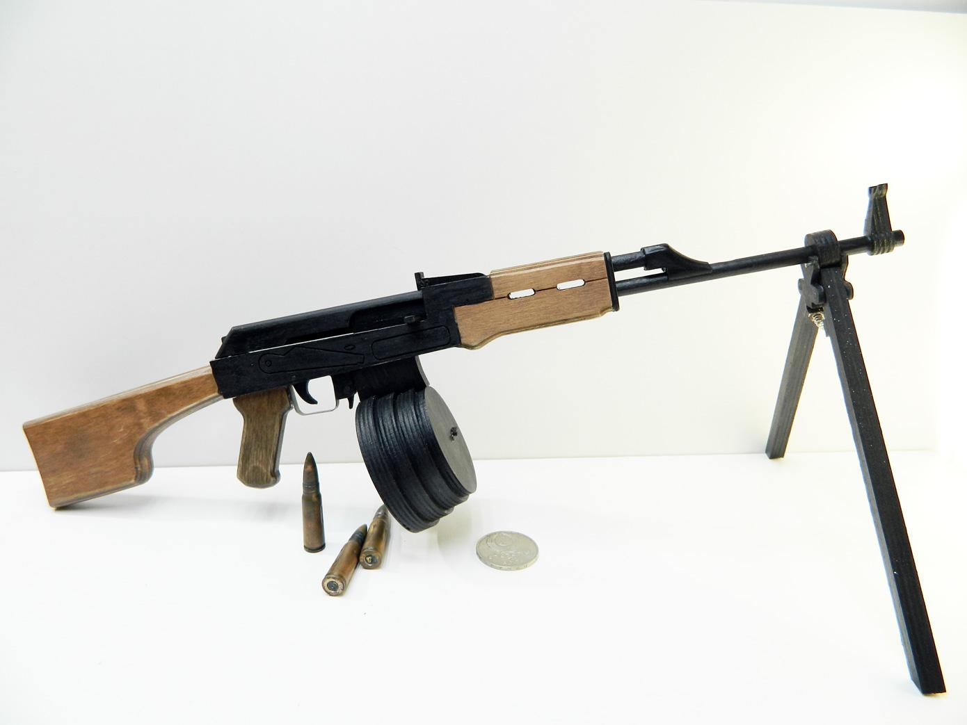 model-avtomata-ak74-iz-dereva.PNG
