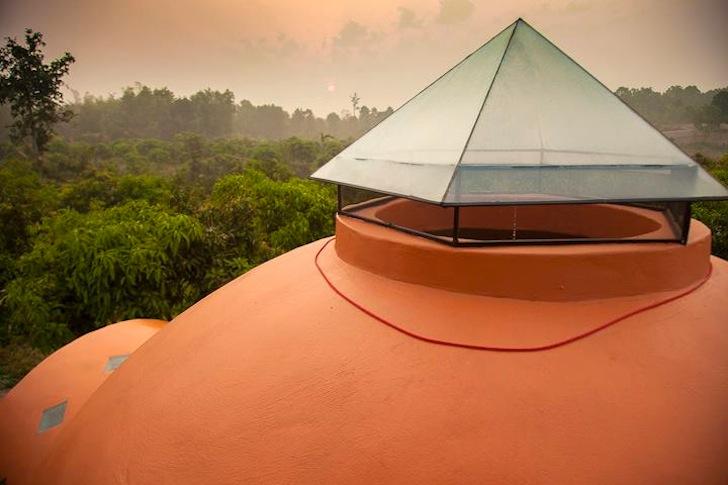 крыша купольного дома.