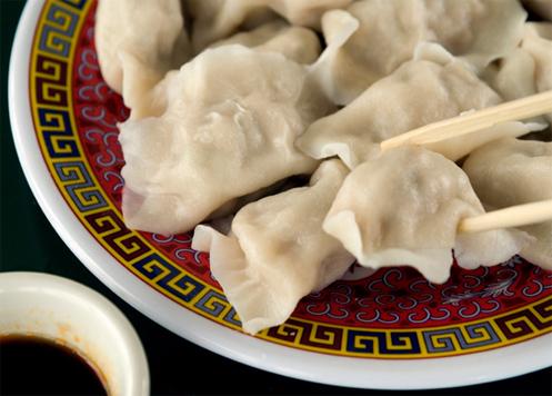 китайские пельмени цзаоцзы - одно из главных блюд китайского нового года
