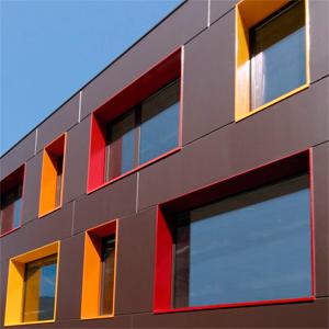 металлический откос окна