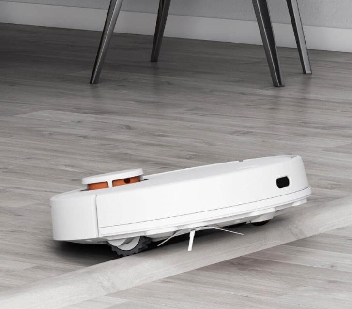 Робот-пылесос Xiaomi Mijia LDS Vacuum Cleaner (черный) преодоление препятствий
