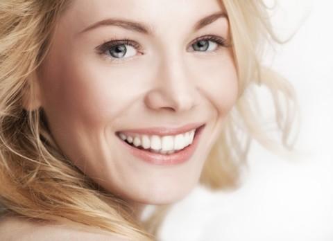 Увлажняй: как бороться с сухой кожей губ