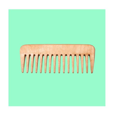 Почему деревянные расчёски лучше пластиковых?
