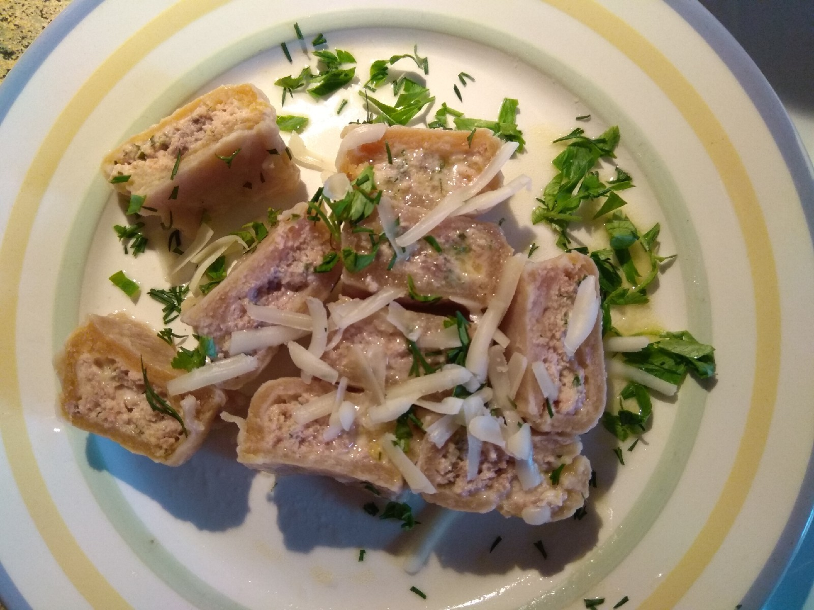 Равиоли с лососем и сыром