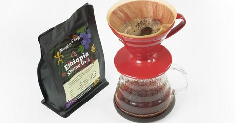Как заваривать фильтр кофе, и почему все так любят воронку