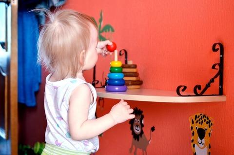 Самые простые и полезные игрушки для младенца, это...