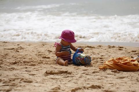 Отдых с ребёнком до года: можно, но осторожно!