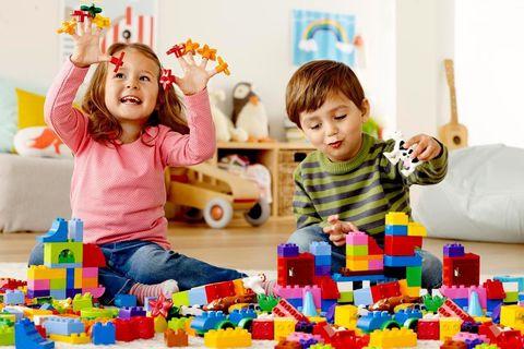 Игры и игрушки в развитии интеллекта и креативности ребенка