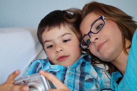 Чем занять ребенка дома, если он заболел?