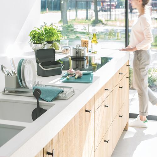 Кто отвечает за порядок на кухонном столе?