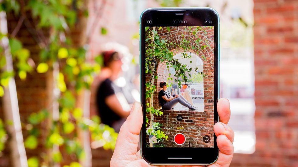 какой смартфон лучше всех фотографирует данной статье приведено
