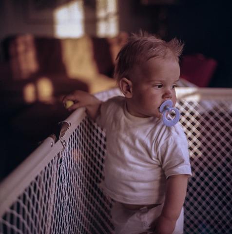 Какие игрушки должны быть в игровом уголке малыша до года?
