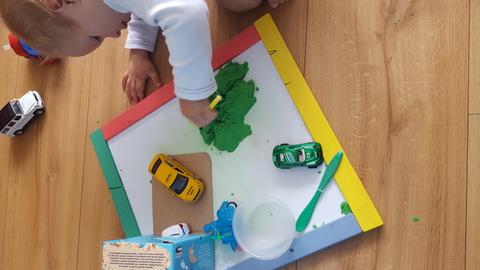 Кинетический песок для детей: что это и как использовать?