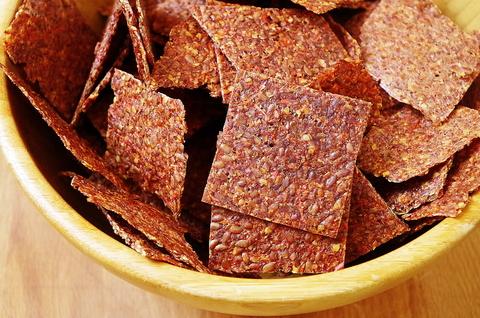 Томатно-льняные чипсы в дегидраторе