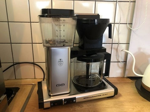 Как сделать кофе в капельной кофеварке (фильтр-кофеварке)