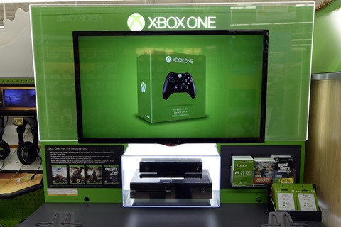 Microsoft Wireless Display транслирует игры Xbox One.